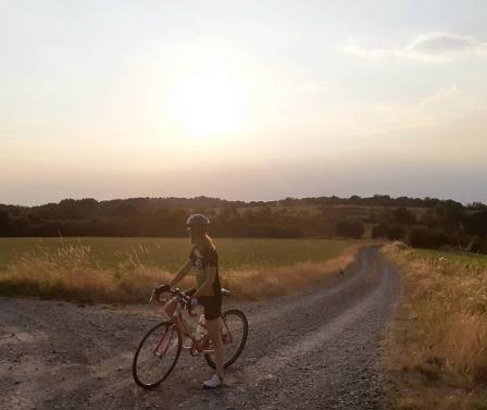 Kyra op de fiets